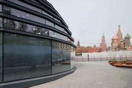 Историю и проект парка в Зарядье можно увидеть в выставочном павильоне